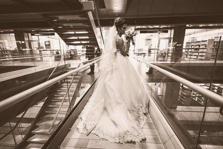 kāzas, kāzu dekorēšana, kāzu florists, florists, kāzu pušķis, kāzu pušķis ar peonijām, kāzu pušķis no frēzijām, kāzu floristika